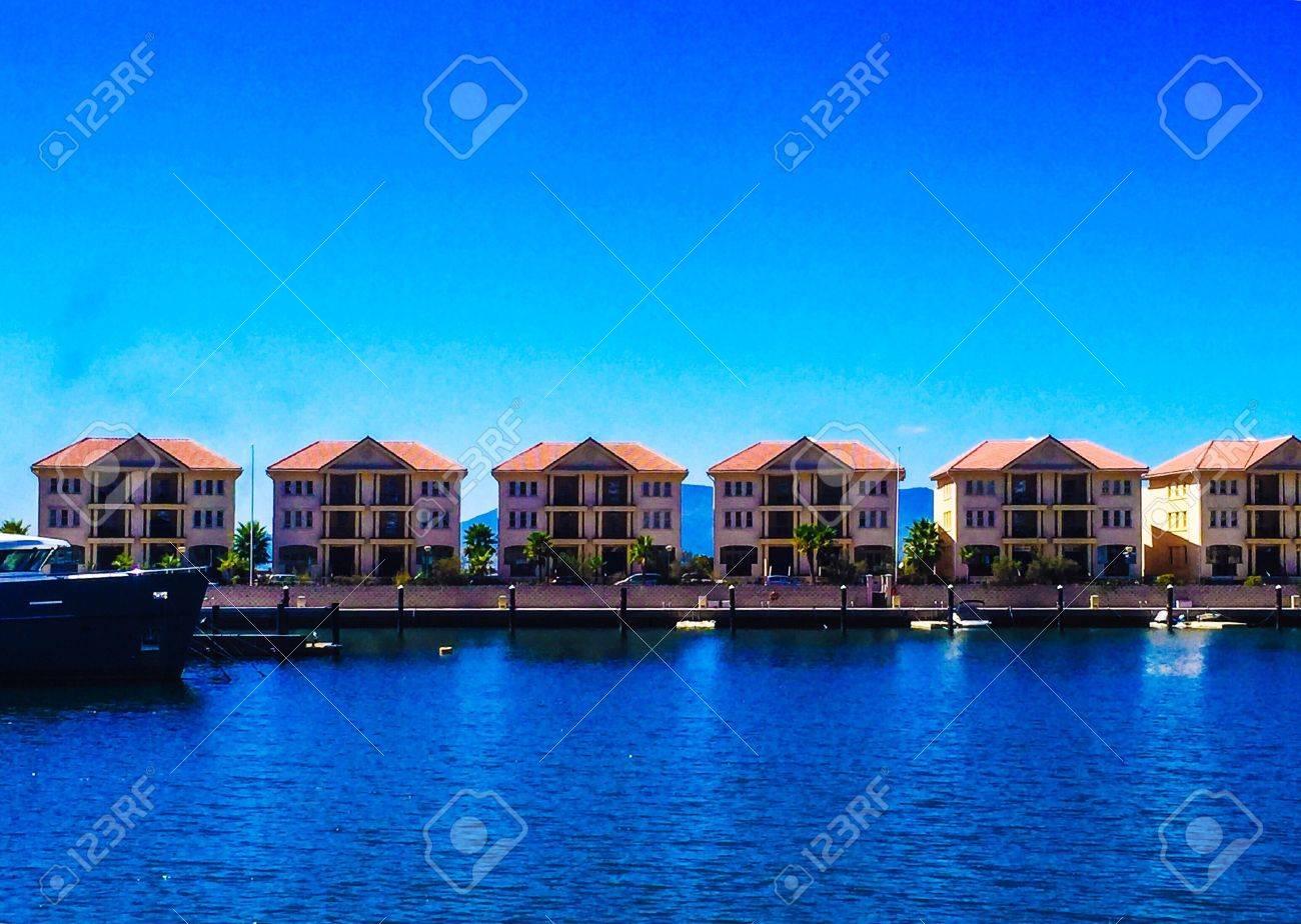 Haus Außen, Diese 6 Häuser Ist Die Insel Genannt, Weil Es Im Meer ...