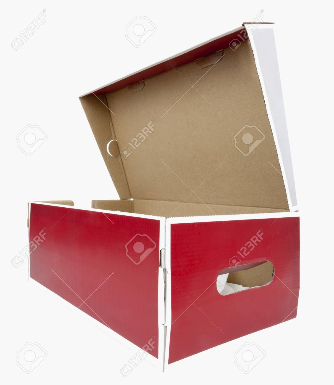 Boîte Et Chaussures OuverteIsolé Latérale Blanche À Rouge Frontale Vue La De vw0PymON8n