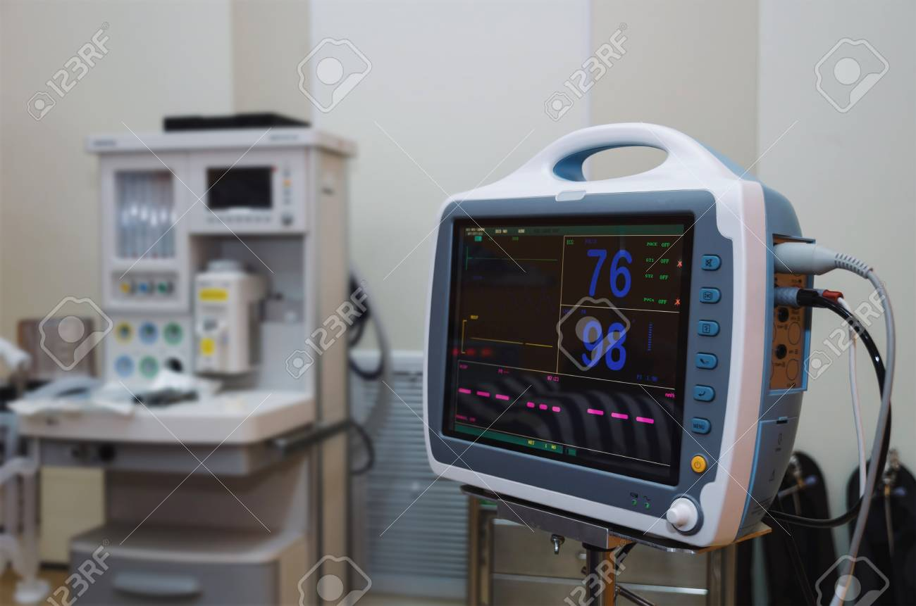 ECG/EKG (Electrocardiography) monitor heart rate and oxygen levels