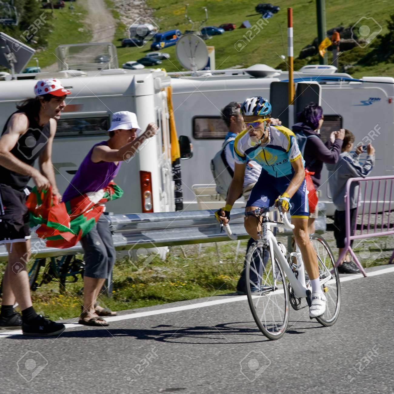 aa1d7970b Stock Photo - Tour de France 2009 Ordino Arcalis attack Alberto Contador