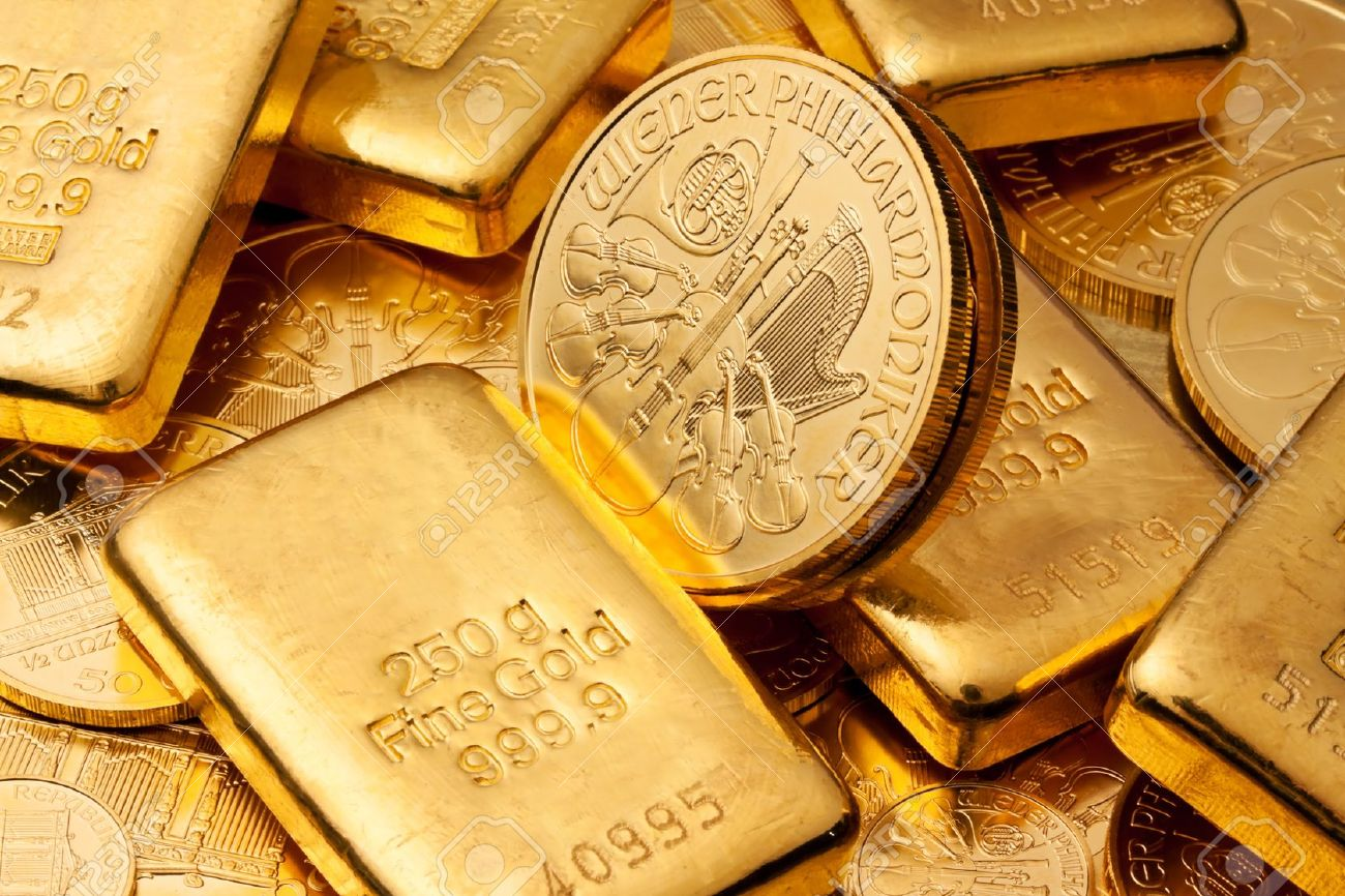 Investment In Real Gold Than Bullion And Coins Feingold Stock Photo