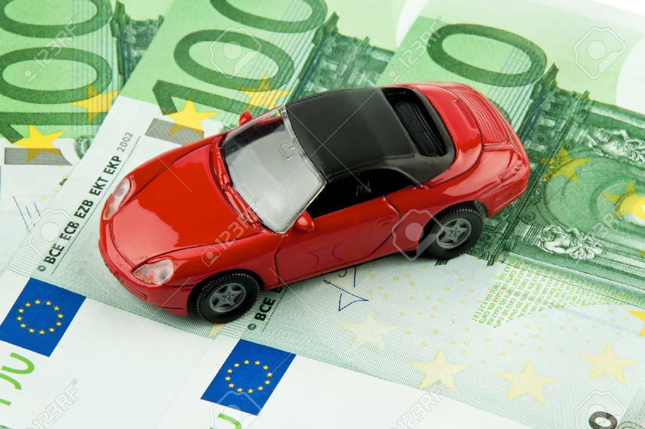 car € bills  car costs, financing and leasing Stock Photo - 13509013