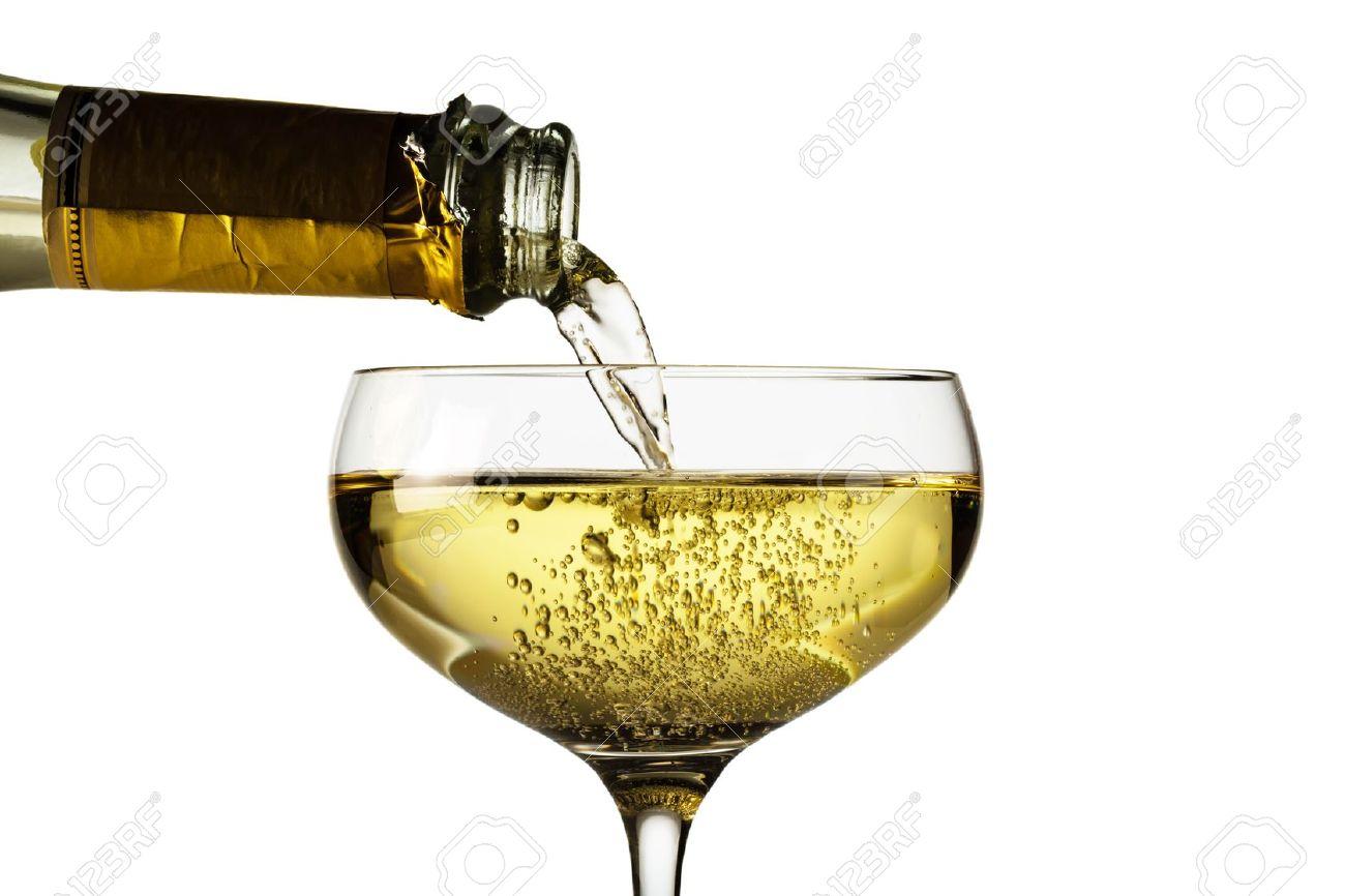 ????????? - Page 11 16678832-bouteille-de-champagne-avec-un-verre-de-champagne-photo-symbolique-pour-les-f-tes-de-fin-d-ann-e-Banque-d'images