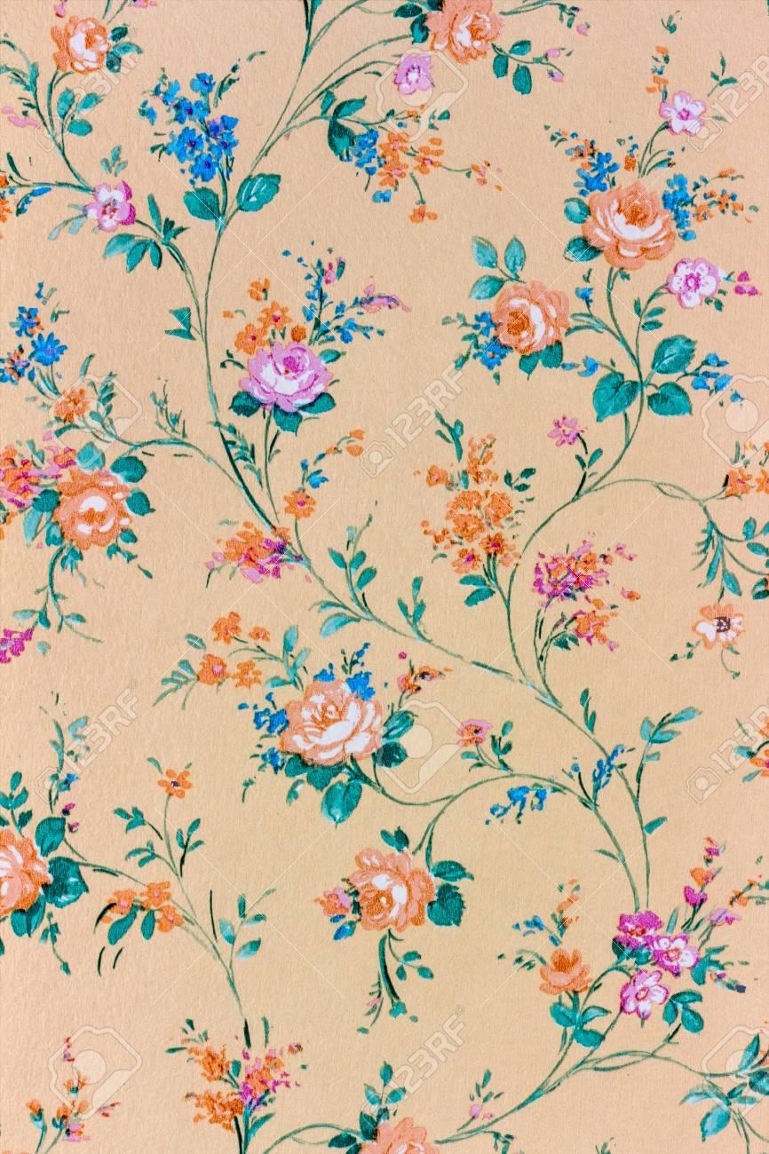 花柄の古いレトロな壁紙 の写真素材 画像素材 Image