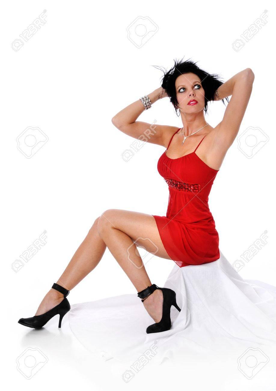Soiree robe rouge bulles et talons hauts