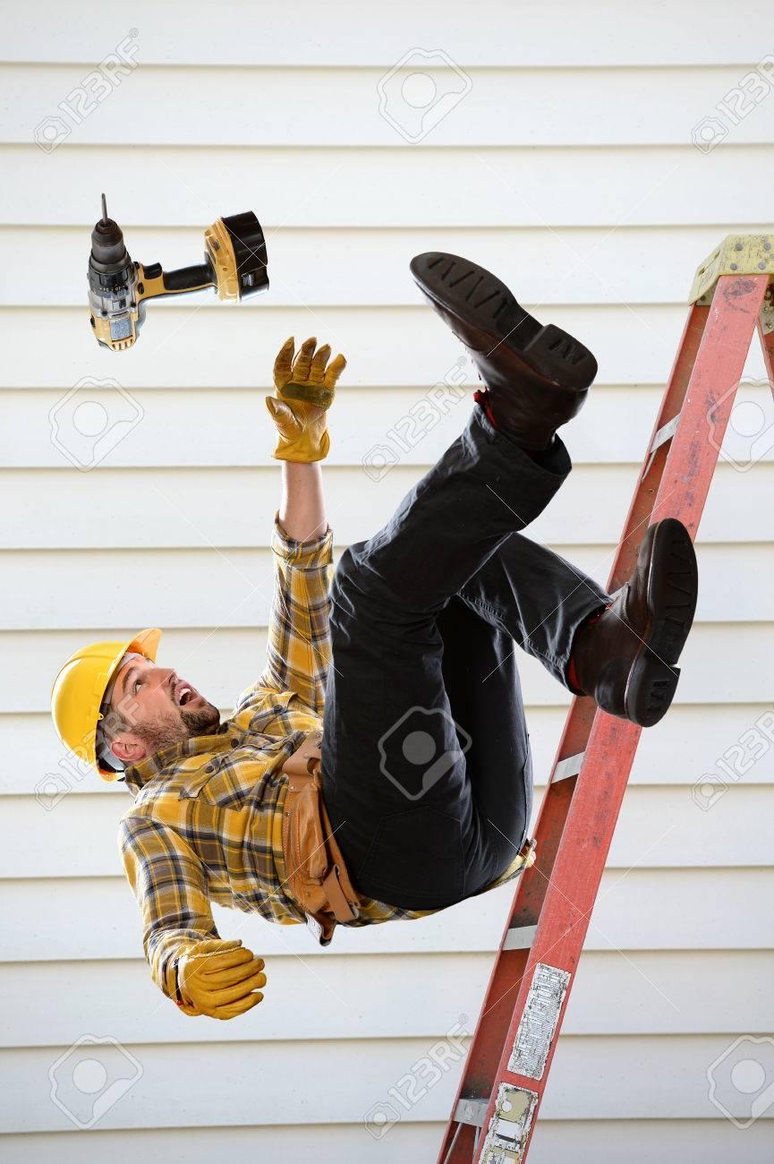 Worker falling from ladder inside room - 67548845