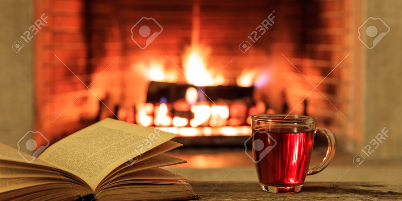 Entspannung Zu Hause. Schließen Sie Oben Von Einer Tasse Tee Und Von ...