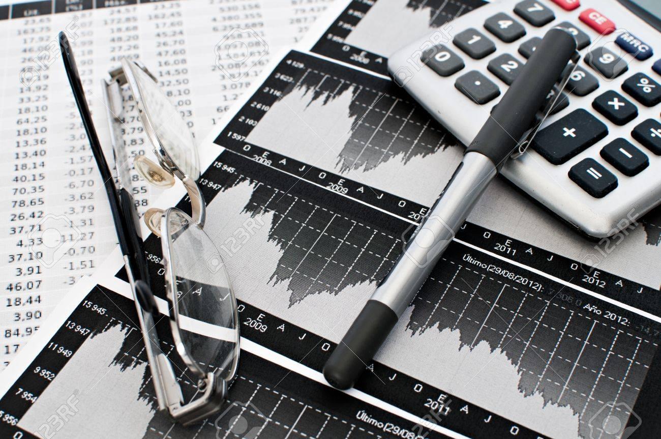 Graphic representation of a bankrupt sales Stock Photo - 15029634