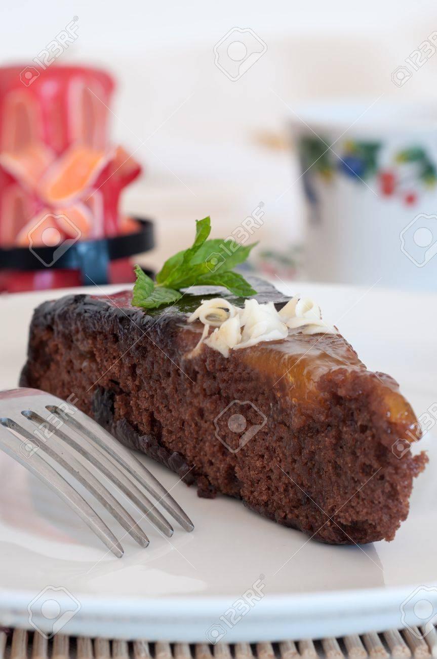 Schokoladen Kuchen Mit Marmelade Und Weisser Schokolade Lizenzfreie