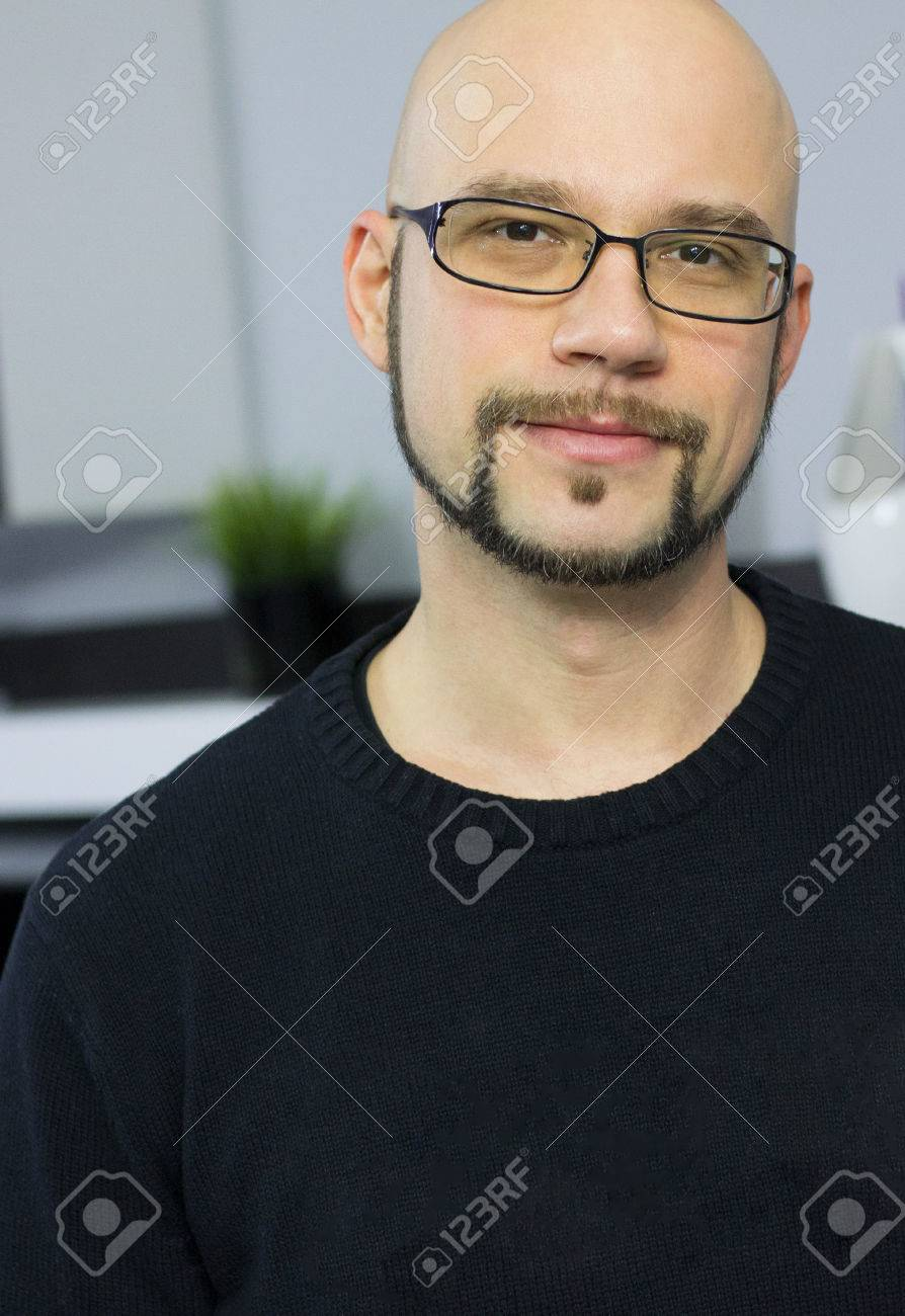 Handsome Bald Half Eyes Kind Glasses With Man Smiling Brown And MzGUqSVp
