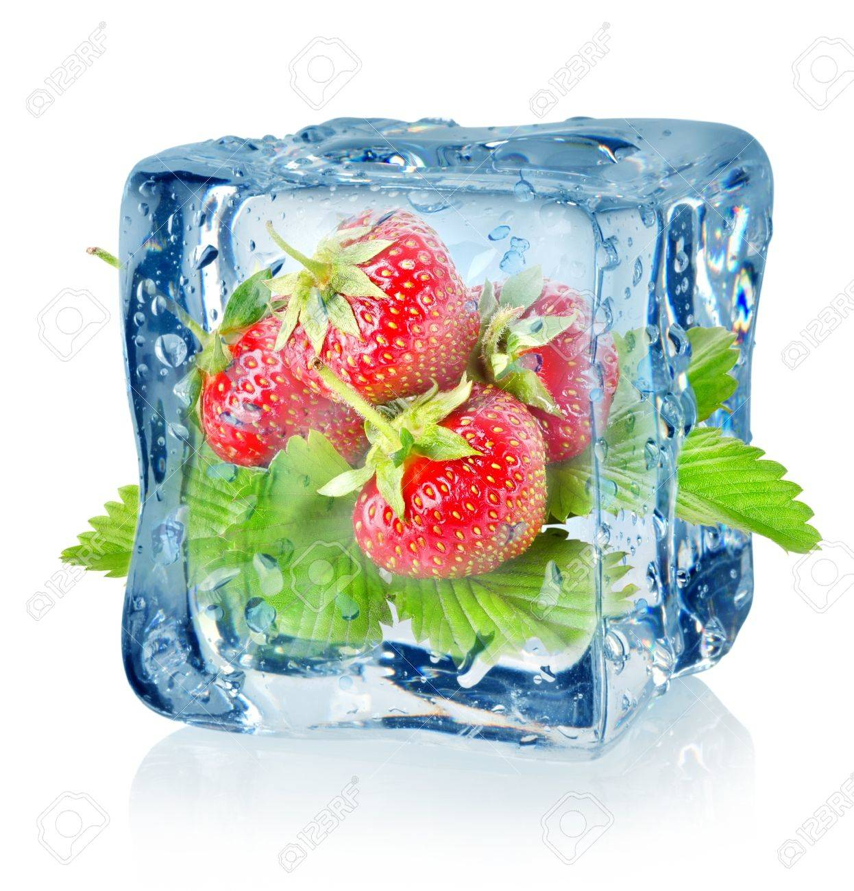 Ice cube and strawberry isolated Stock Photo - 16347437