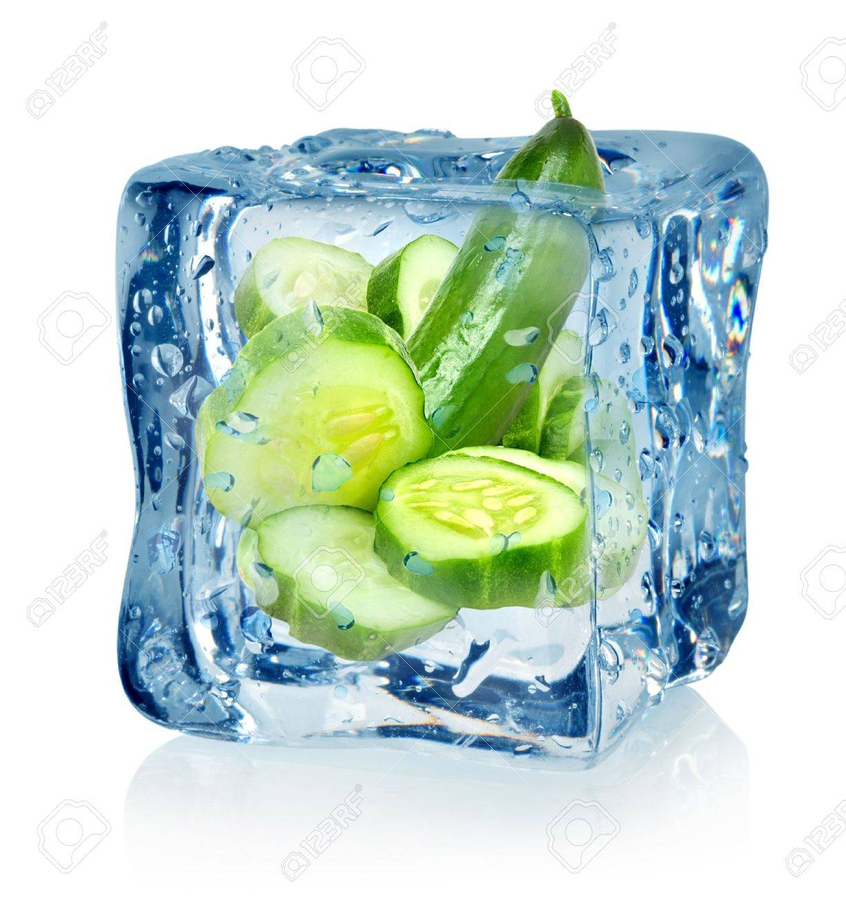 Ice cube and cucumber Stock Photo - 16719443