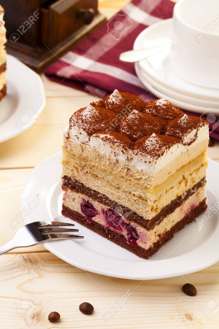 Tiramisu Kuchen Auf Teller Serviert Mit Einer Tasse Kaffee