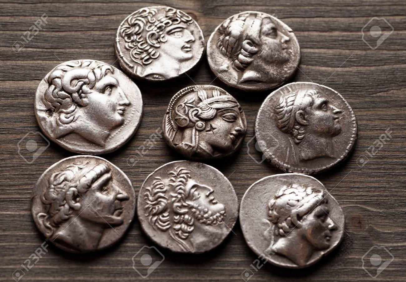 Antike Griechische Münzen Auf Einem Holztisch Selektiven Fokus