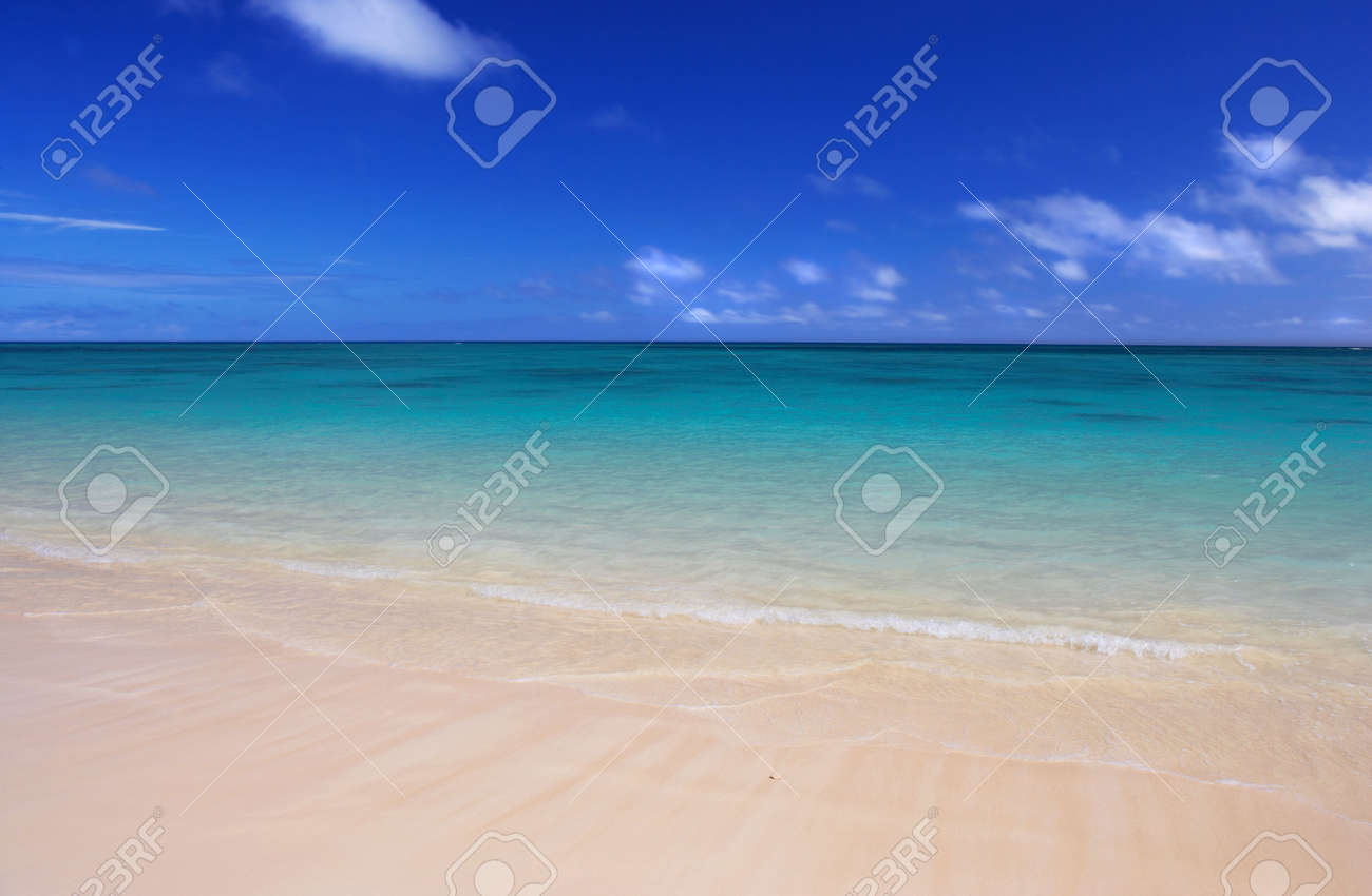 Tropical beach Stock Photo - 675128
