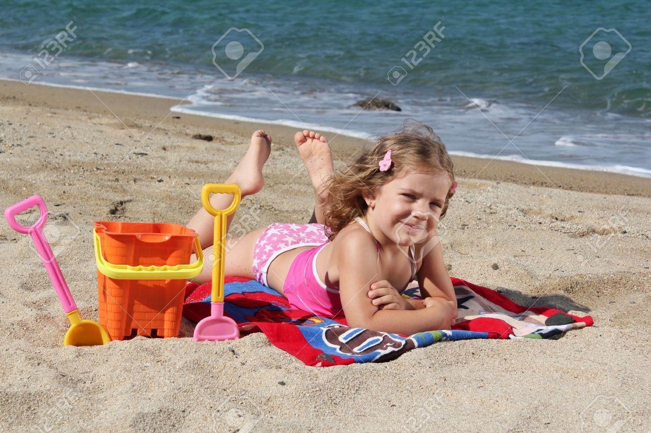 Малолетки на нудистком пляже фото