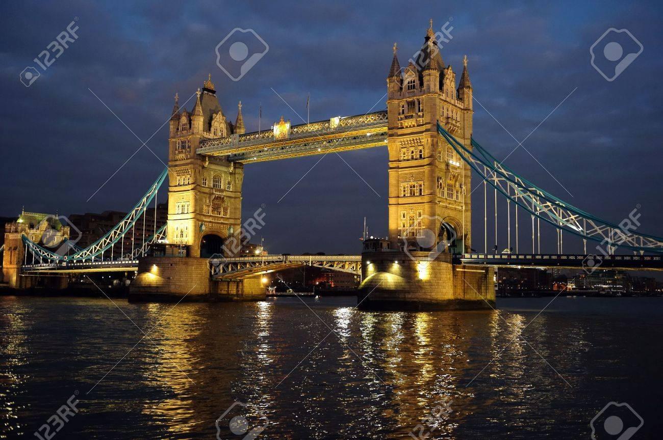 Tower Bridge, London, England, UK, Europe, illuminated at dusk Stock Photo - 6503920