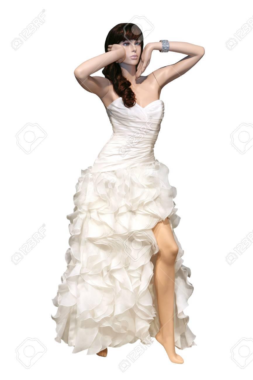 Фото манекена в белом платье