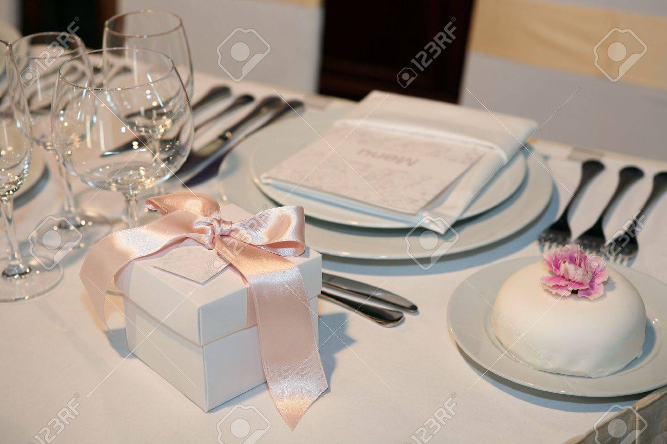 Elegant dinner table setting - Elegant Table Setting For A Wedding Or Dinner Event Stock Photo 8773588