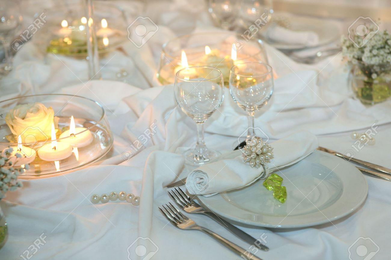 Elegant table setting for a wedding or dinner event Stock Photo - 8773587 & Elegant Table Setting For A Wedding Or Dinner Event Stock Photo ...