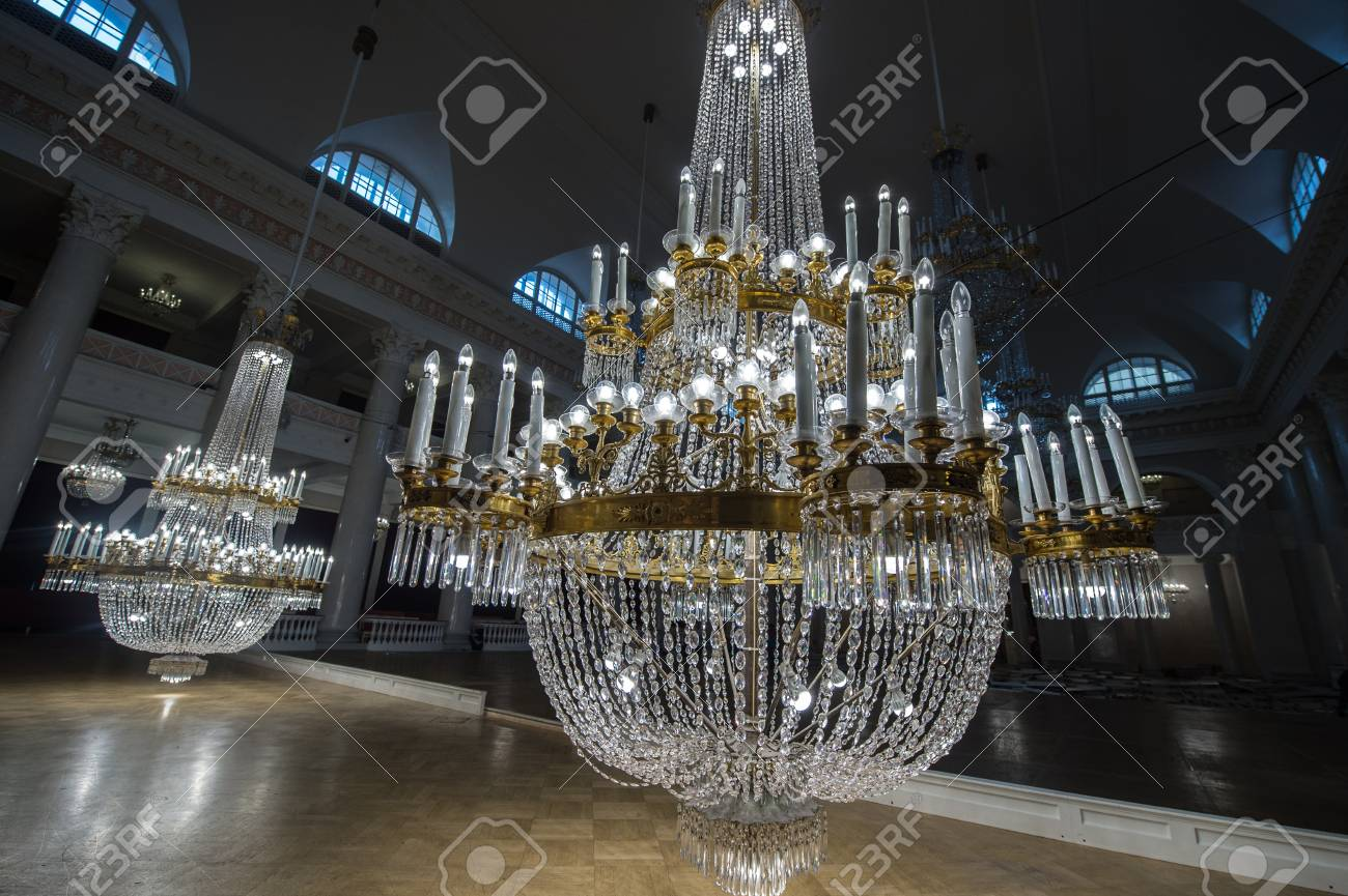 Saint petersburg russia september 6 2016 huge crystal saint petersburg russia september 6 2016 huge crystal chandeliers in the aloadofball Images