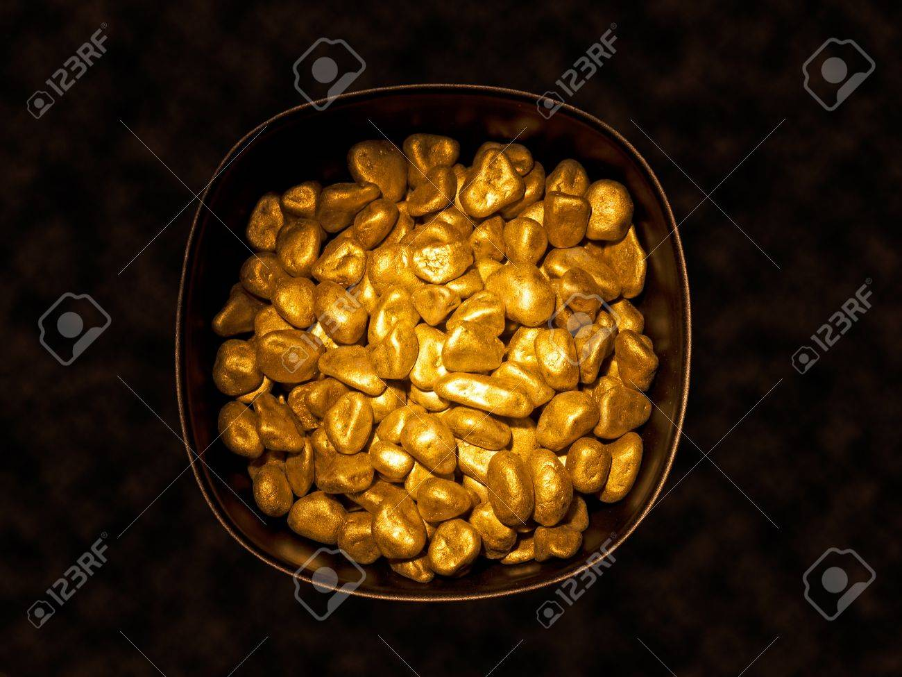 Pot of gold - symbol of wealth Stock Photo - 15050037