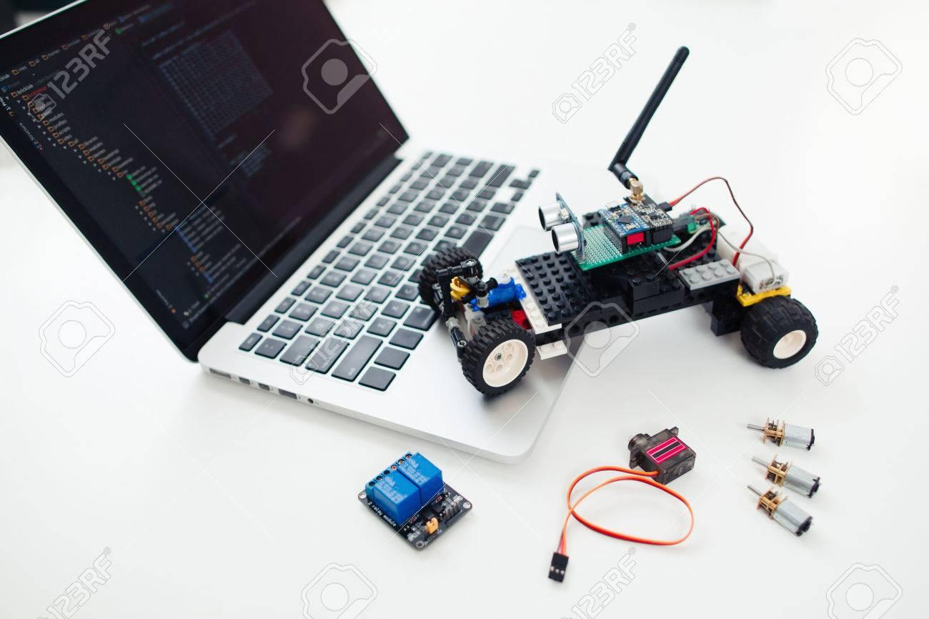 Électronique ConstruitÉmetteurs Ordinateur Travail PortableLieu Récepteurs Sur L'inventeur Rc Composants Diy Jouet De Voiture Avec Des deroCxB