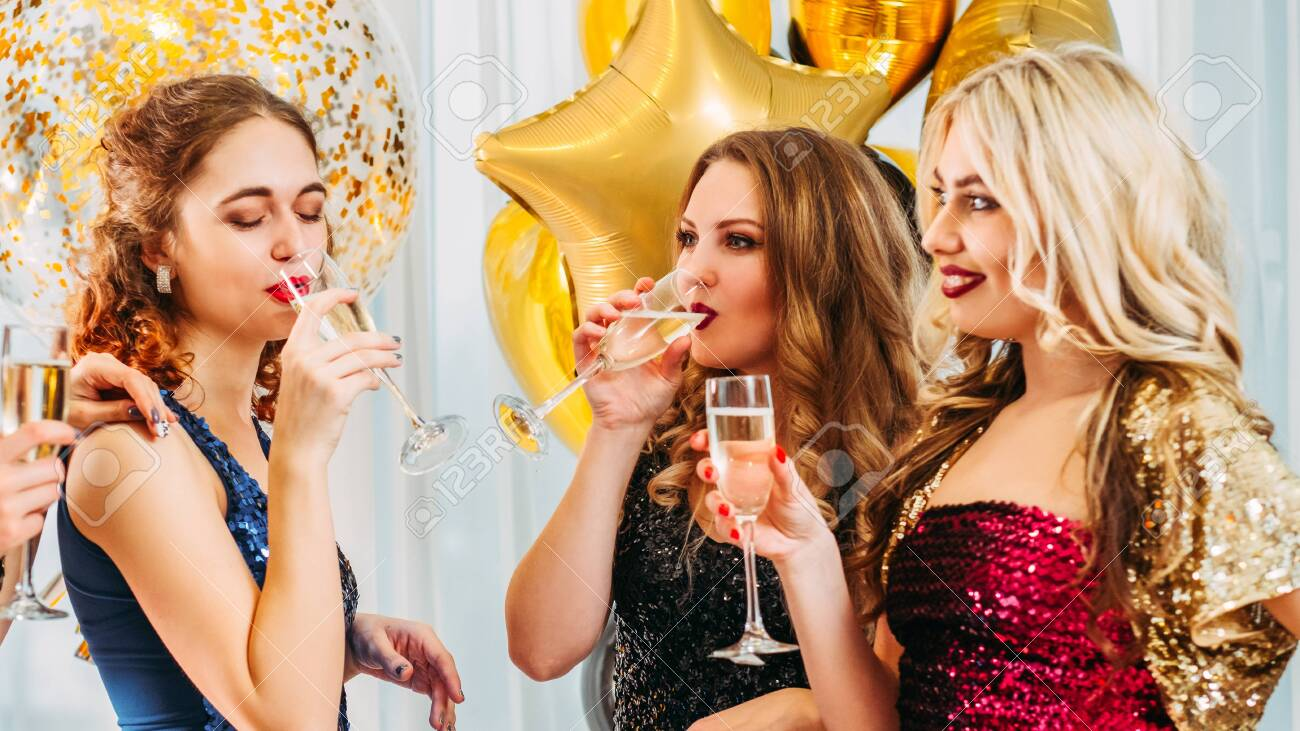 Hen party. Female friendship. Girls looking jealous of their bestie. Fake happiness for lucky woman. - 121221773