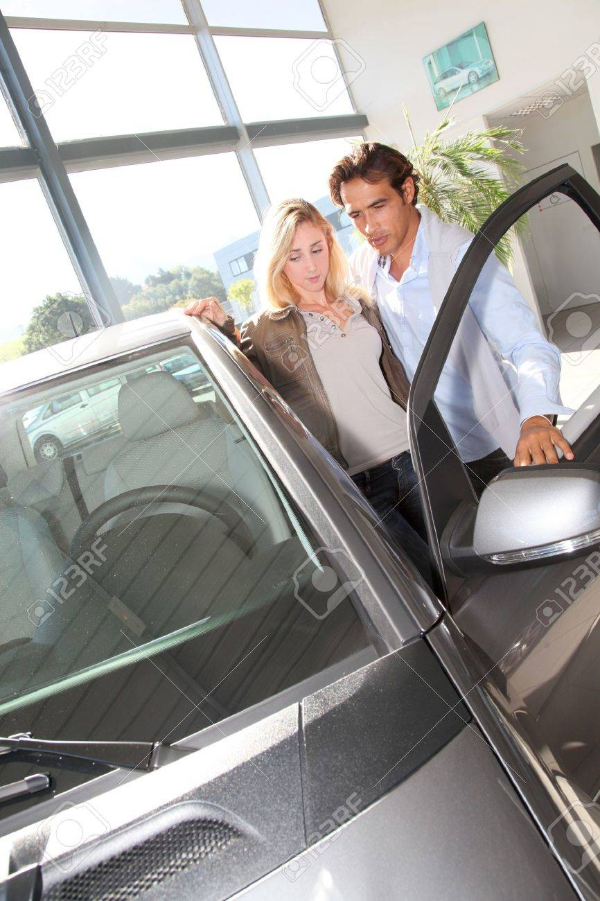 Couple looking to buy a new car Stock Photo - 10625805