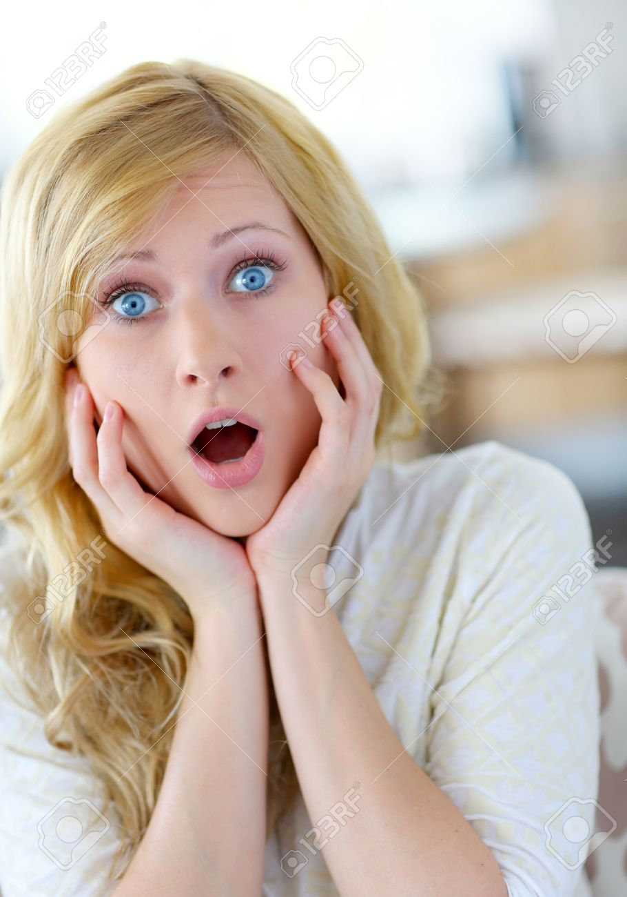 https://previews.123rf.com/images/goodluz/goodluz1301/goodluz130100209/17184137-blond-woman-with-surprised-look-on-her-face.jpg