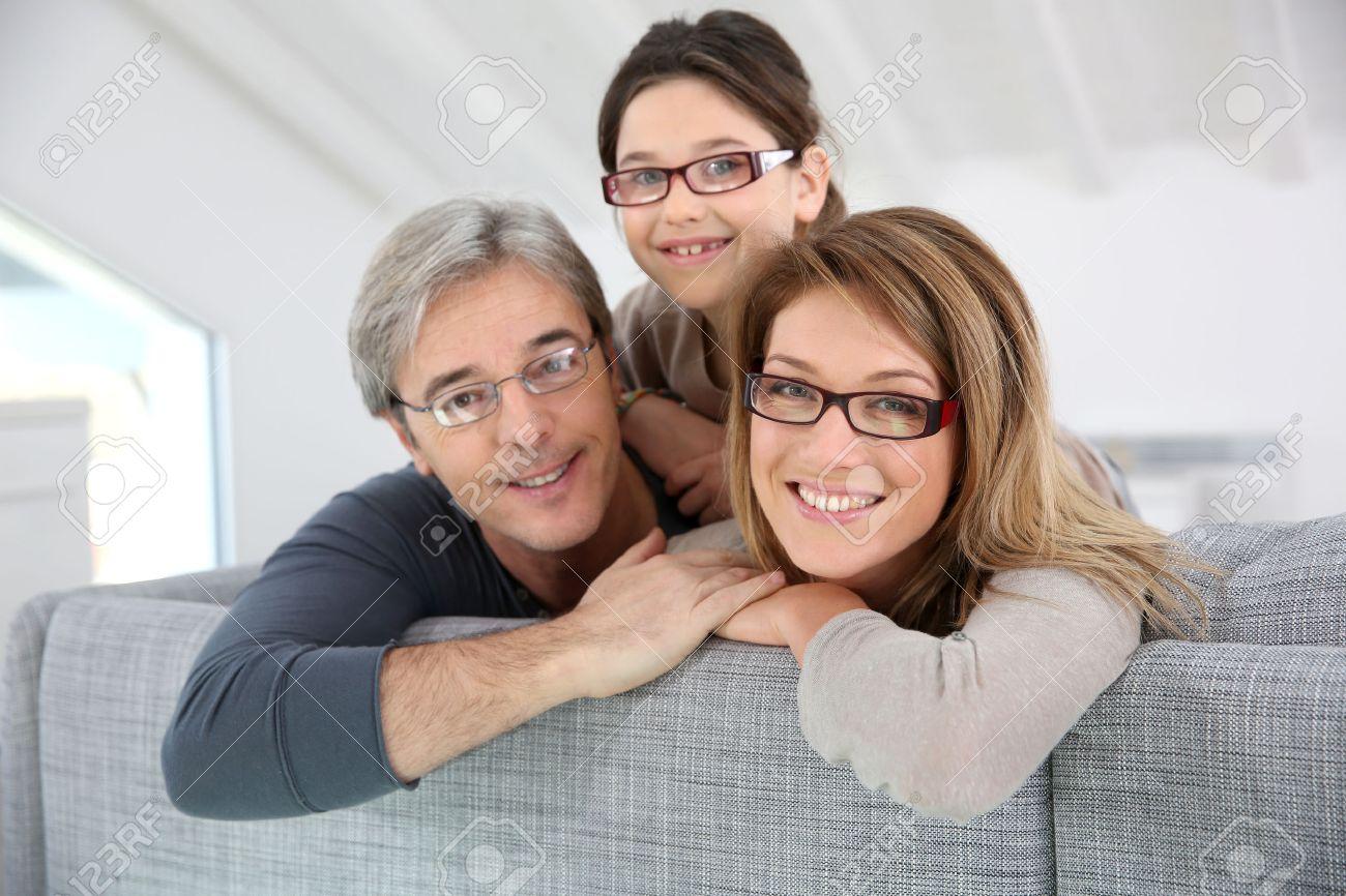 зрелая мамаша в очках