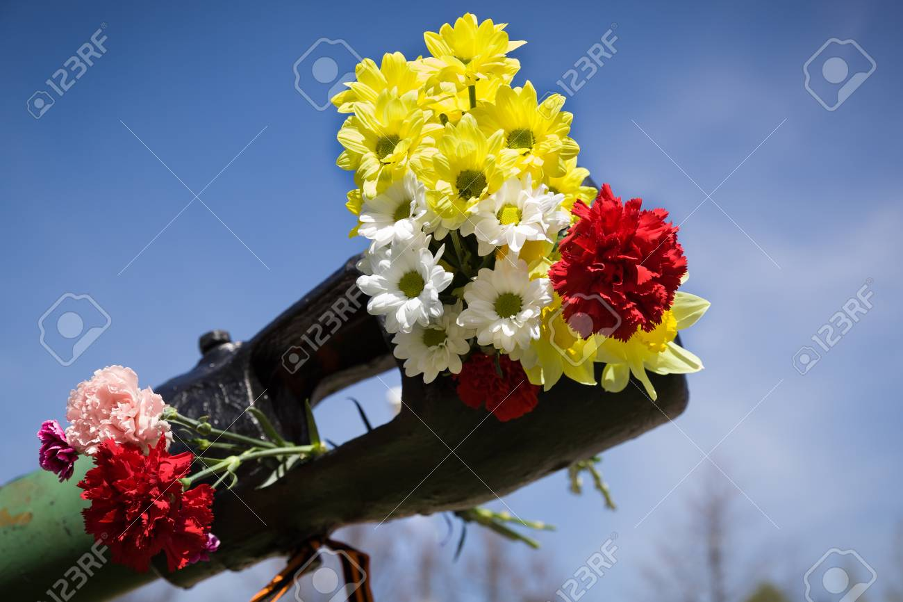 Beautiful flowers in the barrel of the tank may 9th victory beautiful flowers in the barrel of the tank may 9th victory day in russia izmirmasajfo