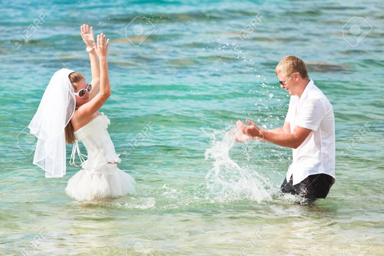 Wedding on the tropical beach Stock Photo - 9366003