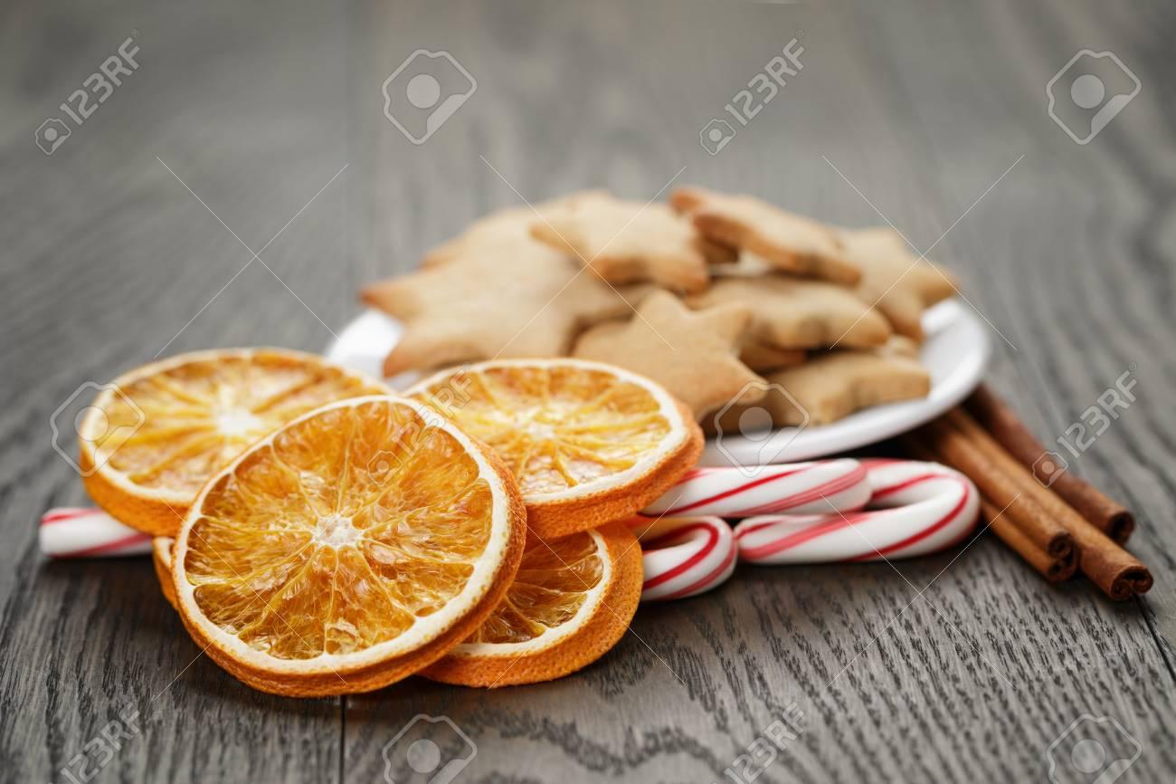 Traditionelle Speisen Und Dekorationen Für Weihnachten, Rustikal ...