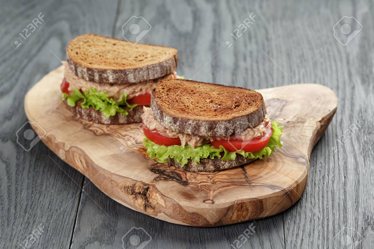 ライ麦 パン サンドイッチ
