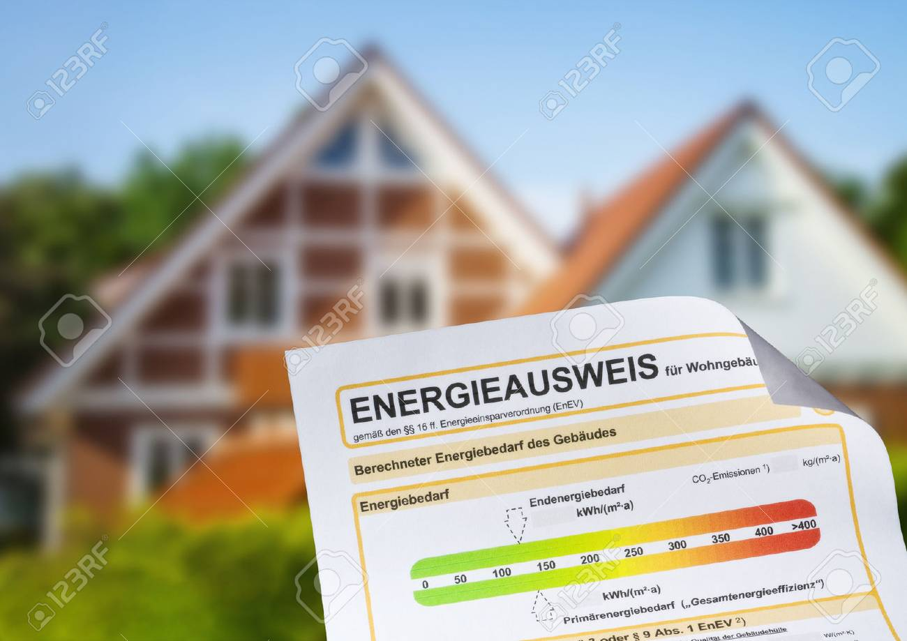 Energy performance certificate with a family house in the background - 84500989