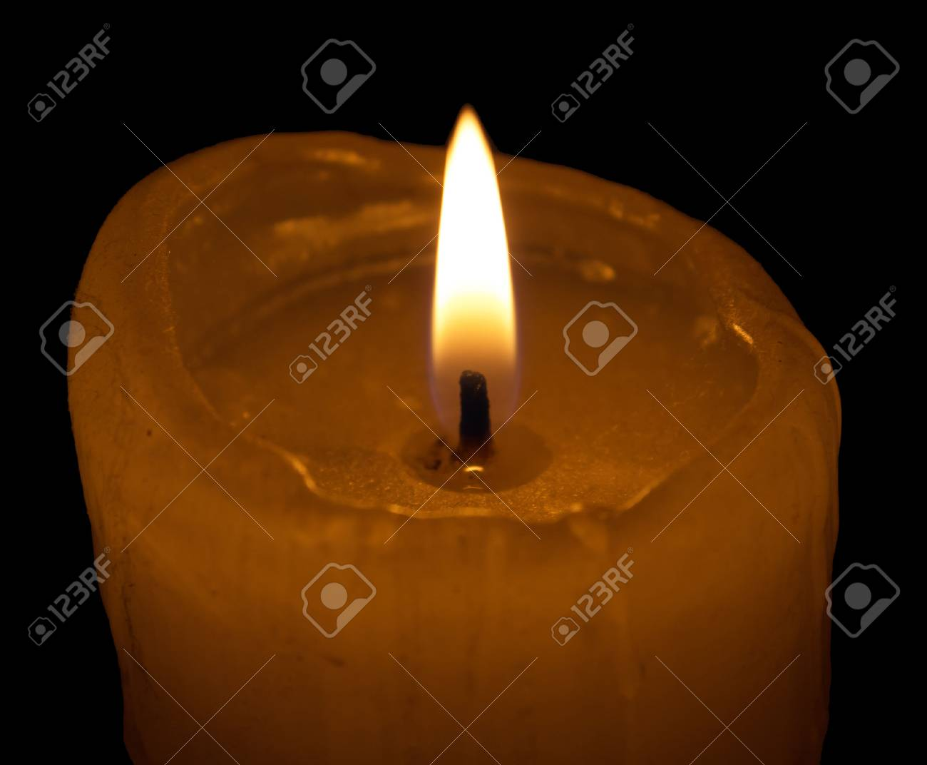 burning candle Stock Photo - 33478808