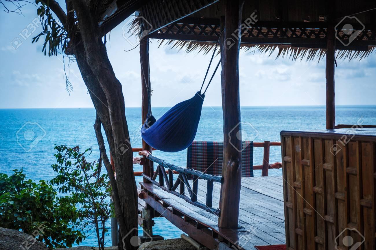 Beachhut Avec Hamac Sous Le Toit En Thaïlande Banque Dimages Et