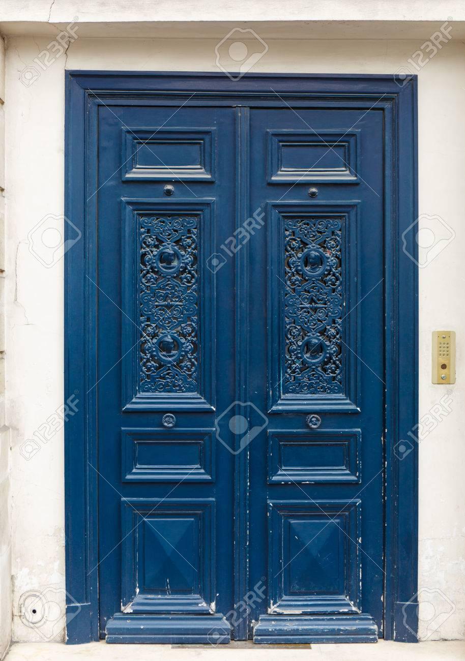 Antigua Puerta De Madera Rustica Pintada En Azul
