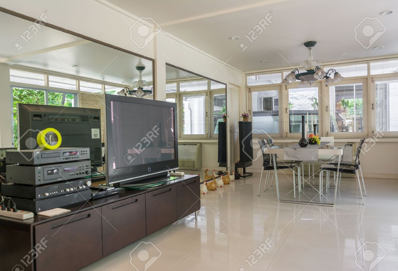 Modern living room in white style. Stock Photo - 19405770