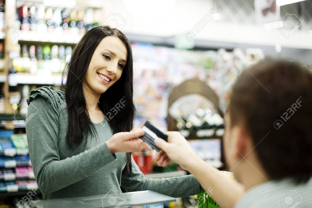 Paying credit card for purchases Stock Photo - 18161150