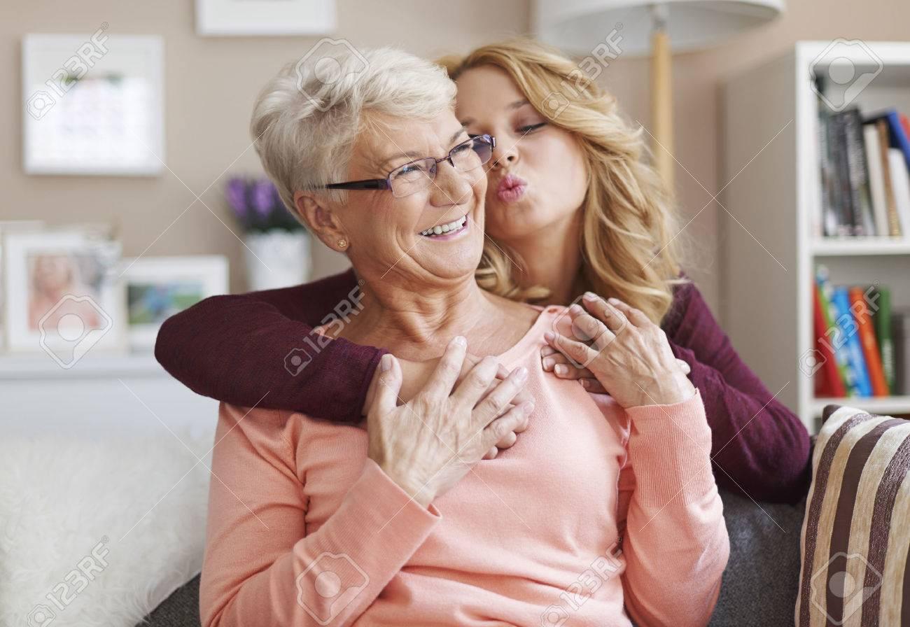 starushki-lesbi-porno-onlayn
