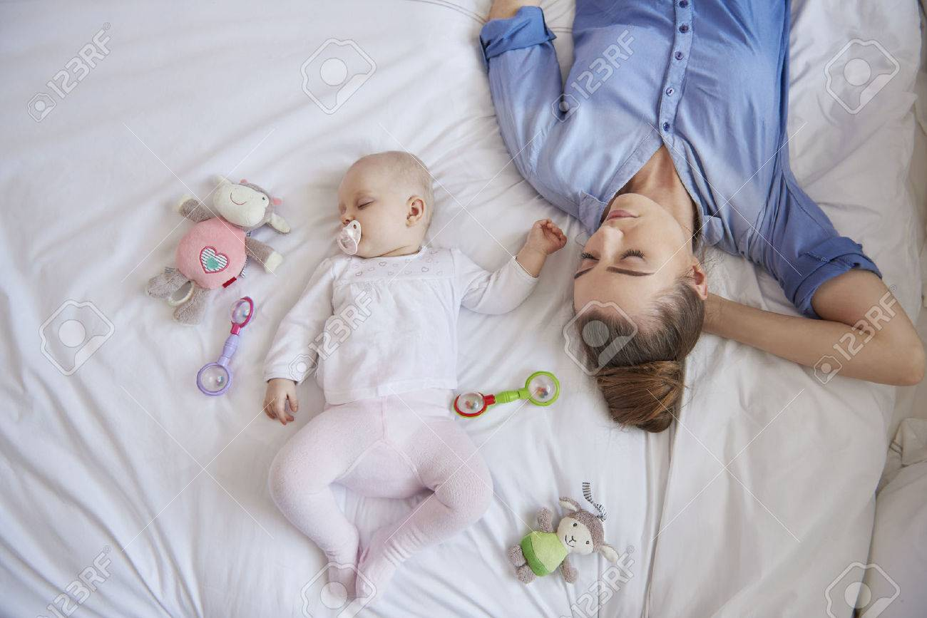 Being mom is so exhausted Stock Photo - 41976134