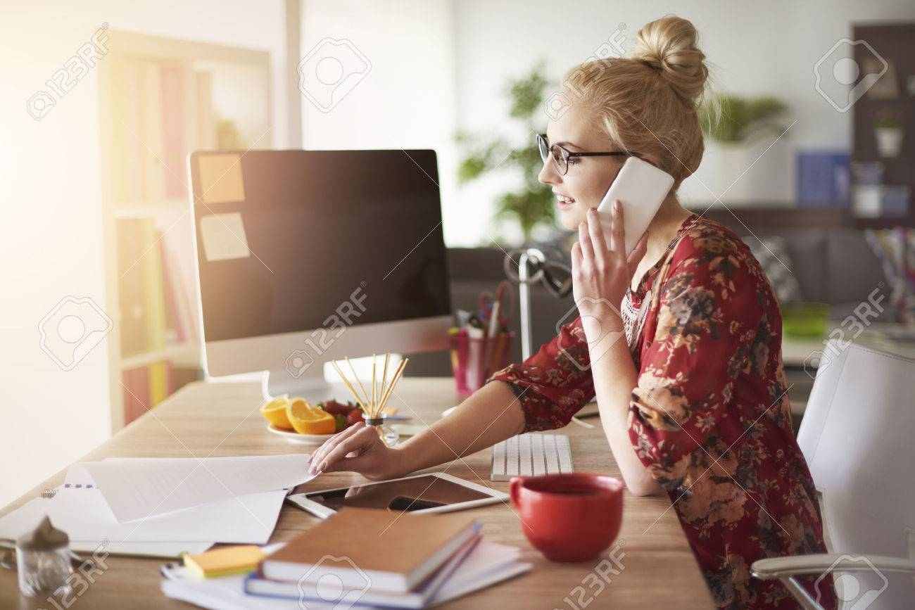 Busy time for freelance at home office Stock Photo - 57981092