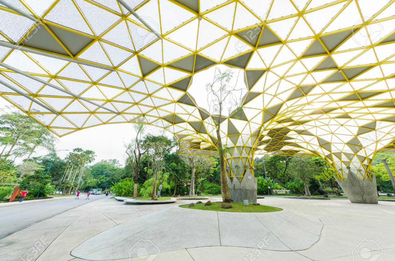 Kuala Lumpur,Malaysia - Aug 22,2018 : Lake Gardens also known as Kuala Lumpur Perdana Botanical Gardens, it is KL's first large-scale recreational park. People can seen exercise and cycling around it. - 107544298