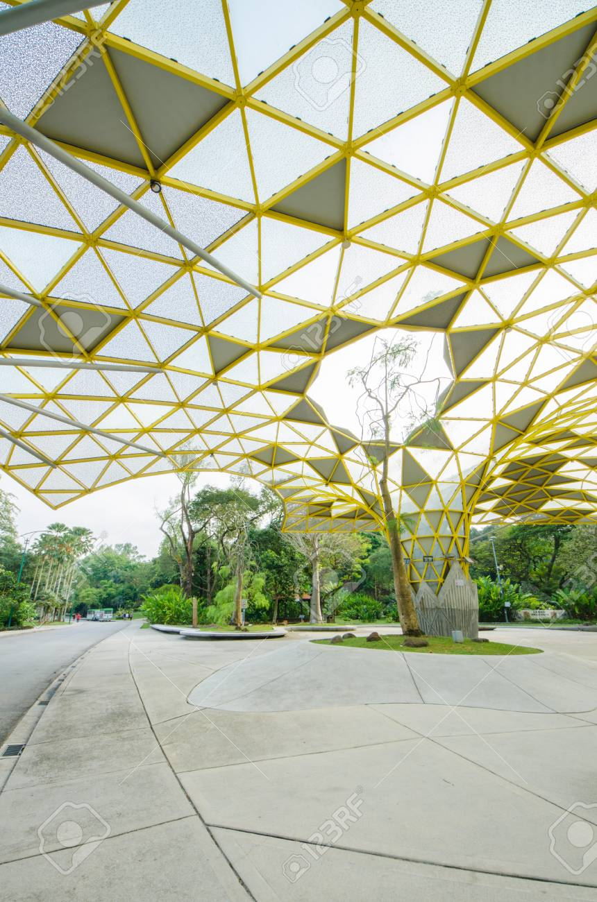 Kuala Lumpur,Malaysia - Aug 22,2018 : Lake Gardens also known as Kuala Lumpur Perdana Botanical Gardens, it is KL's first large-scale recreational park. People can seen exercise and cycling around it. - 107544316