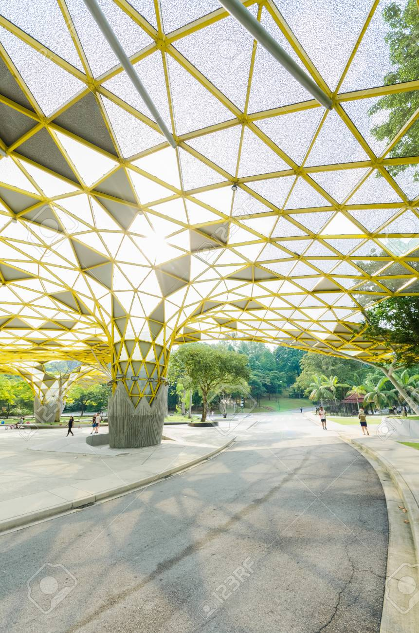 Kuala Lumpur,Malaysia - Aug 22,2018 : Lake Gardens also known as Kuala Lumpur Perdana Botanical Gardens, it is KL's first large-scale recreational park. People can seen exercise and cycling around it. - 107544317