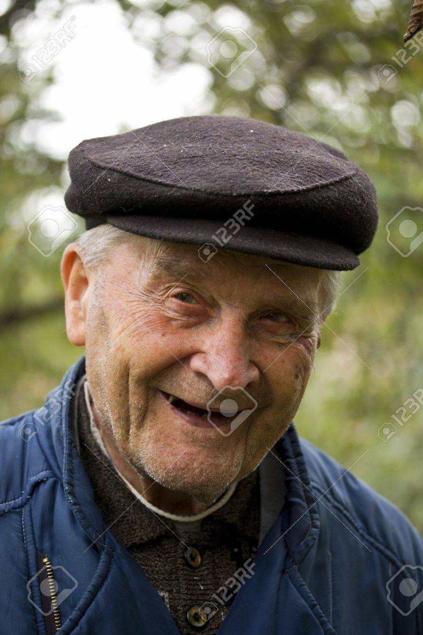 Portrait of an Old Man Smiling To Camera Stock Photo - 8091579 3a6ad7dce0a