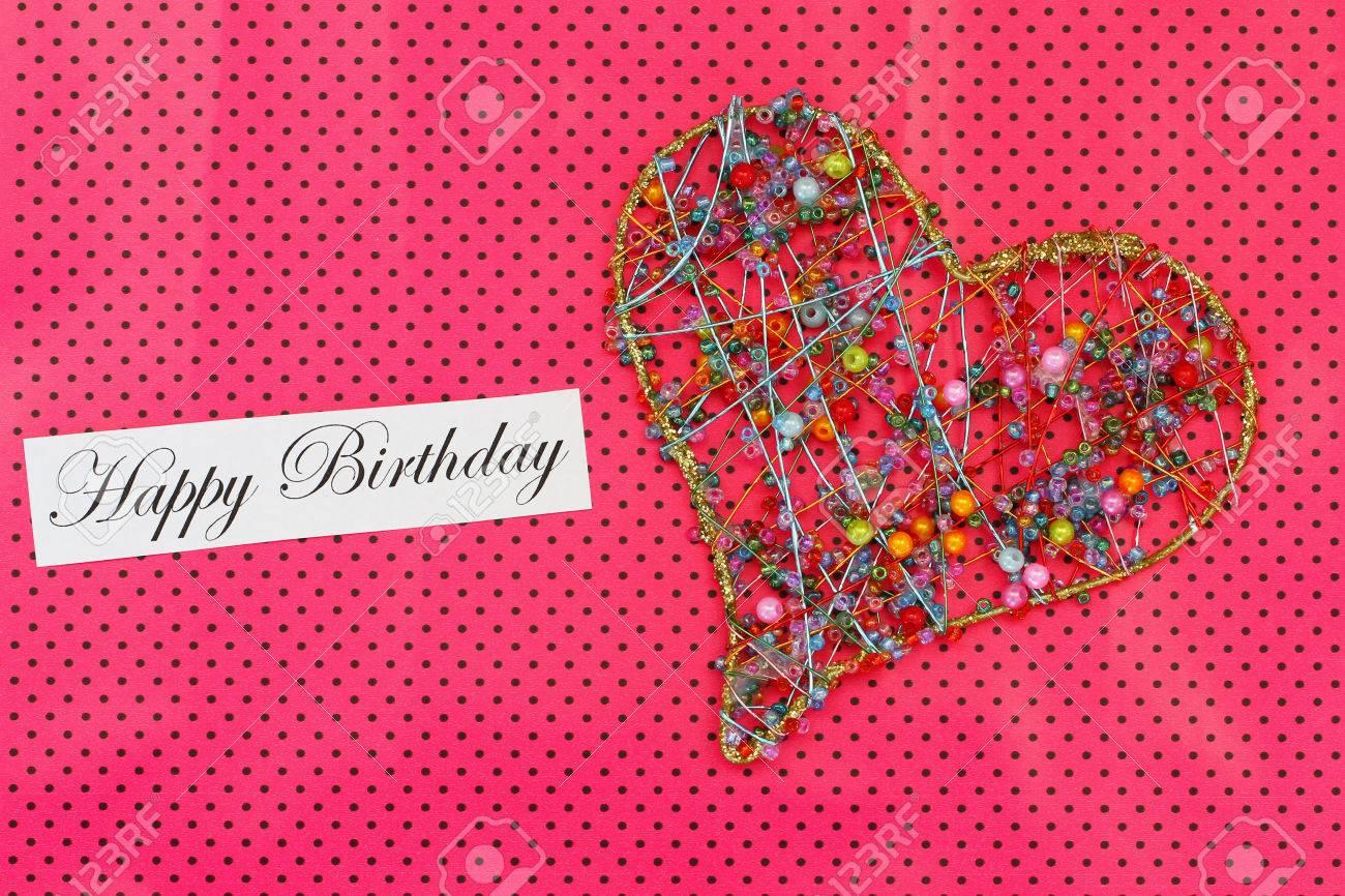 Carte Joyeux Anniversaire Avec Le Coeur Fait De Perles Colorees Sur Fond Rose Dotty Banque D Images Et Photos Libres De Droits Image 35153134
