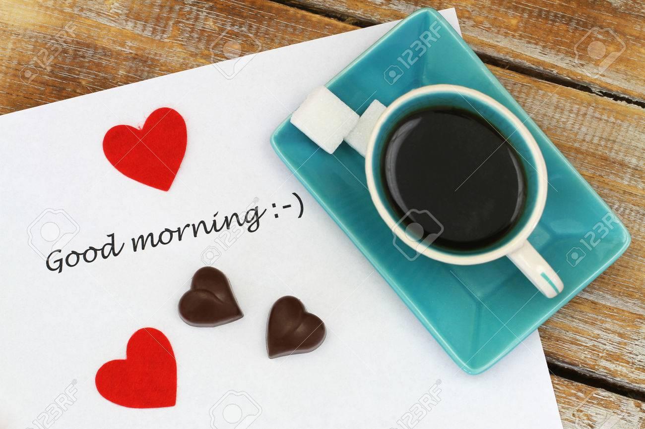 Buenos Días Escrito En Papel Blanco Chocolates En Forma De Corazón